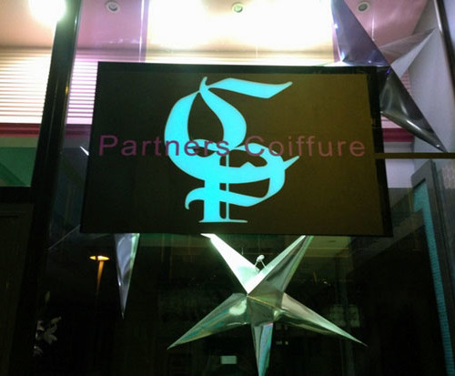 By electroluminescent store Cannes